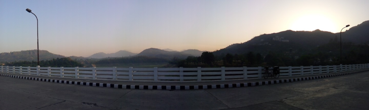 Reward for consistent early starts, another beautiful sunrise just outside of Bilaspur.
