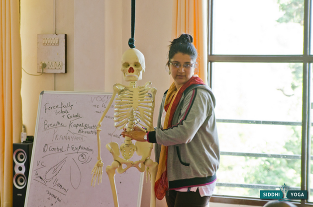 Doctor Amrita during an anatomy class.