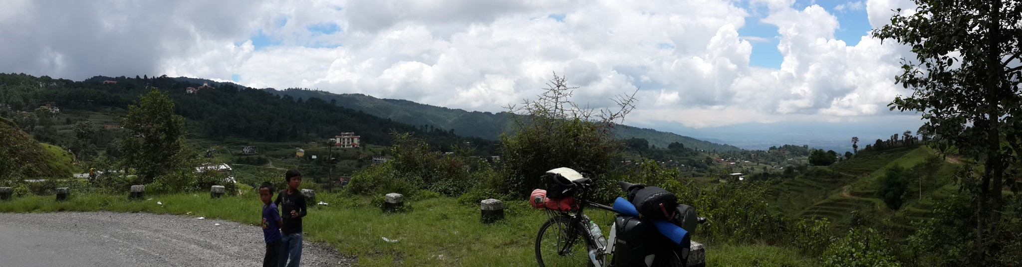 On the way back down from Nagarkot, these two were keen to relieve me of Shurly Anne